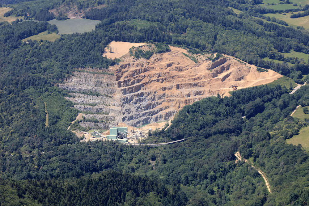 Renouvellement et extension de l'exploitation de la carrière de roche dure